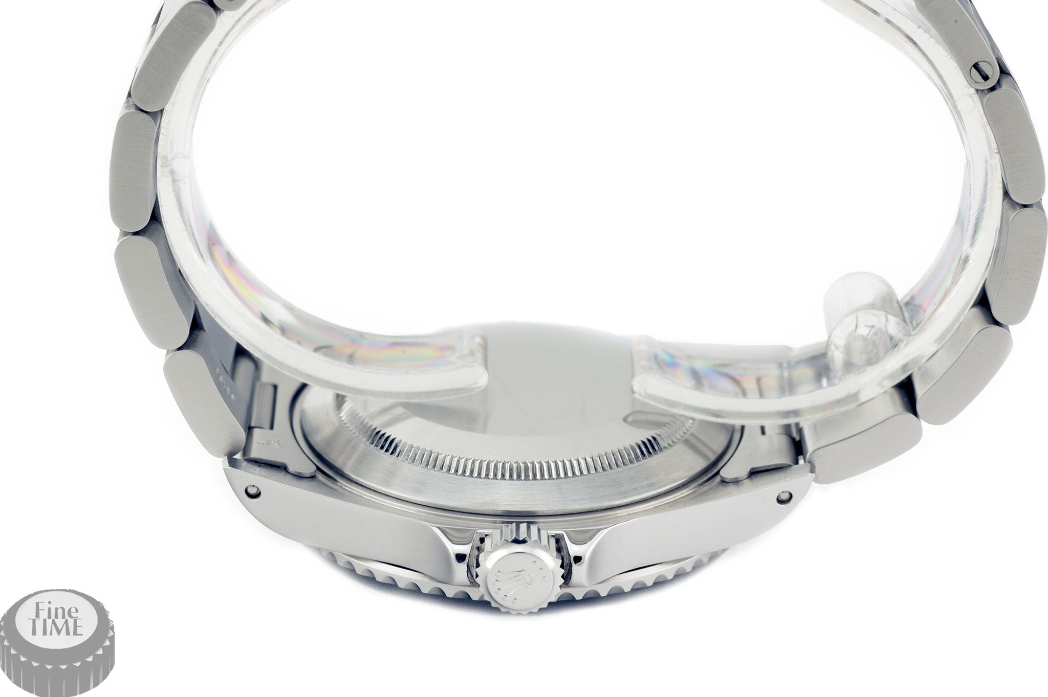 Rolex Submariner 14060M Y serie crown